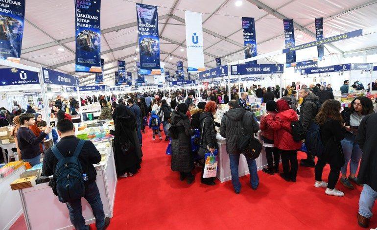 İstanbul'da Yılın İlk Kitap Fuarı Kapılarını Kitapseverlere Açtı