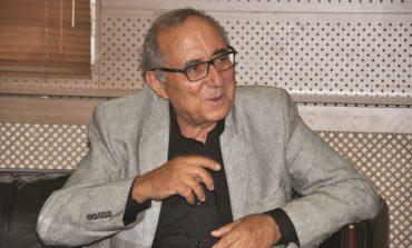Şair Ataol Behramoğlu'na Anlamlı Akademi Üyeliği