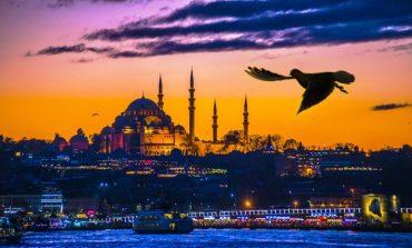Adım Adım İstanbul, 30. Yaşını Gece Gezileriyle Taçlandırıyor