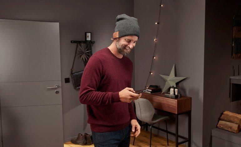 TCHIBO'dan Bluetooth Kulaklıklı Bere