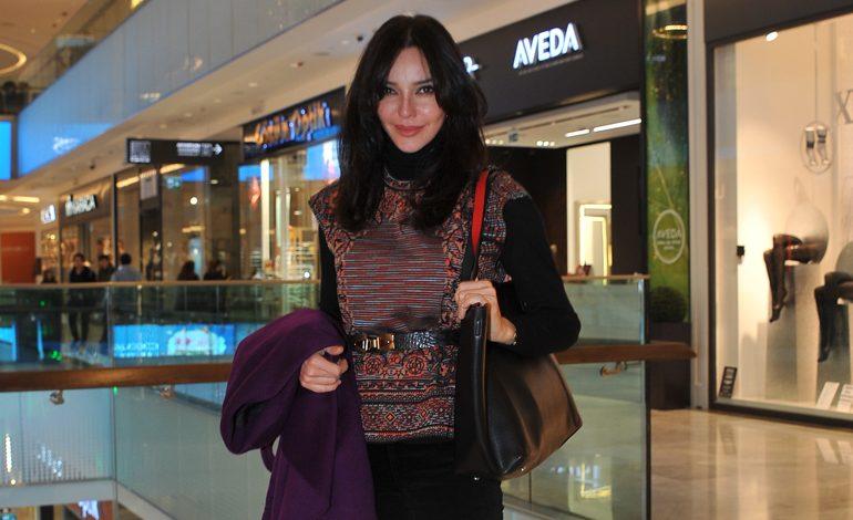 Hande Ataizi'nin yılbaşı alışverişi