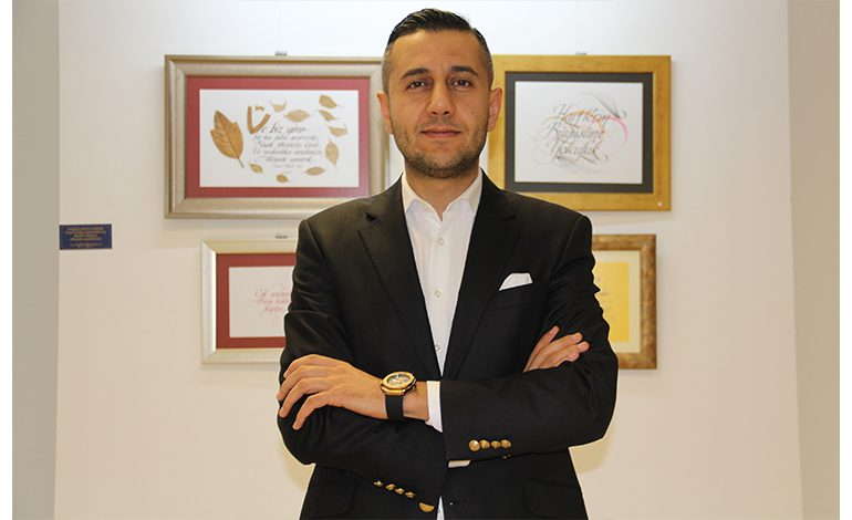 """Osman Kartaler'in """"Harfin Büyüsü Sergisi İstanbul'lu Sanatseverlerle Buluşacak"""
