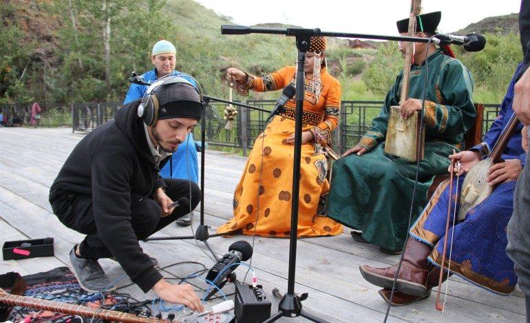 Türk müziğinin kökeninin keşfedildiği 'Searching For Sound' belgeseline prestijli ödül