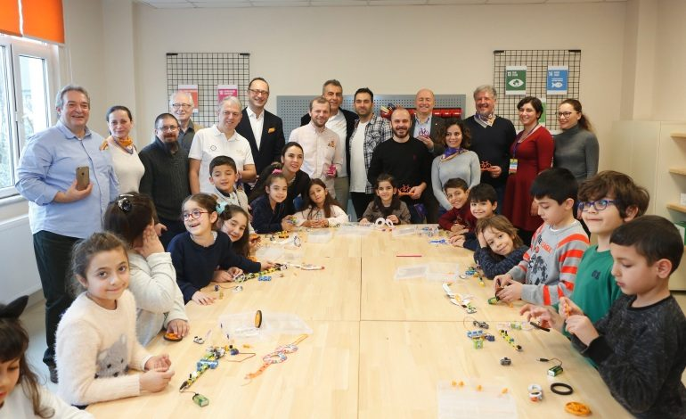 21. yüzyılın öğrenme becerileri TEGV'de TEGV Tasarım ve Beceri Atölyesi açıldı