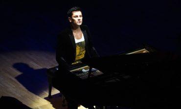 Dünyanın en hızlı piyanisti İstanbul'daki ilk konserinde CRR'de fırtınalar estirdi