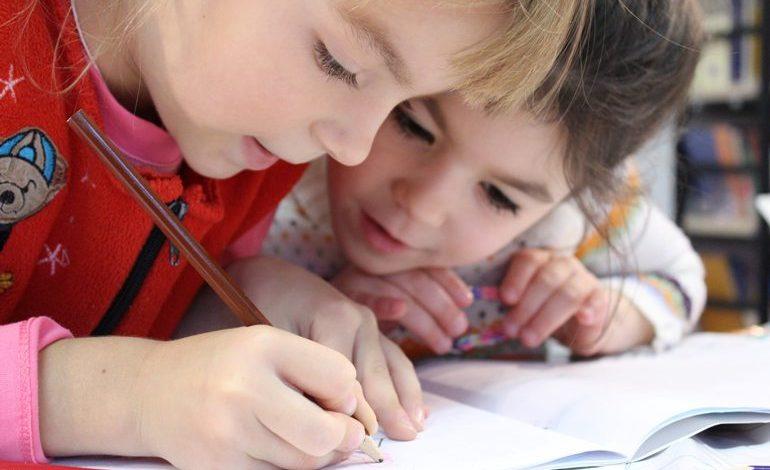 Ailelerin Çocuklarını Sanata Yönlendirirken İzlemesi Gereken 5 Adım