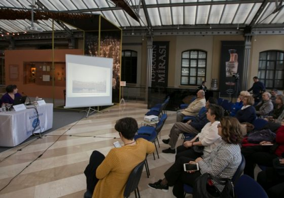 """İşçi Olmaktan Gurur Duyan Kadınların Öyküleri """"Cibali Sohbetleri""""nde Ele Alındı"""