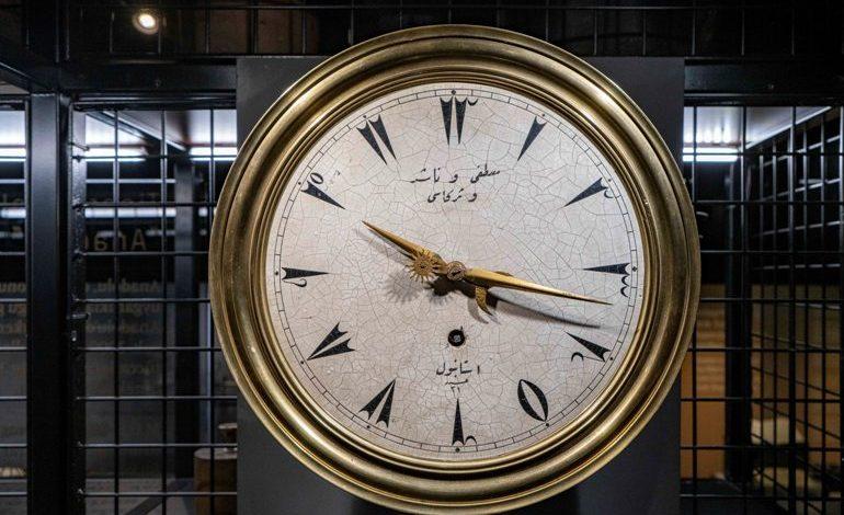 """Pera Müzesi'nde Avner Wishnitzer ile """"Osmanlı'da Zaman Anlayışı"""" Üzerine"""