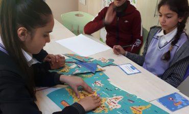 """TEGV'de Eğitim Etkinlikleri Devam Ediyor: Daha İyi Bir Dünya İçin Atölyeler """"Haklarımı Öğreniyorum"""""""