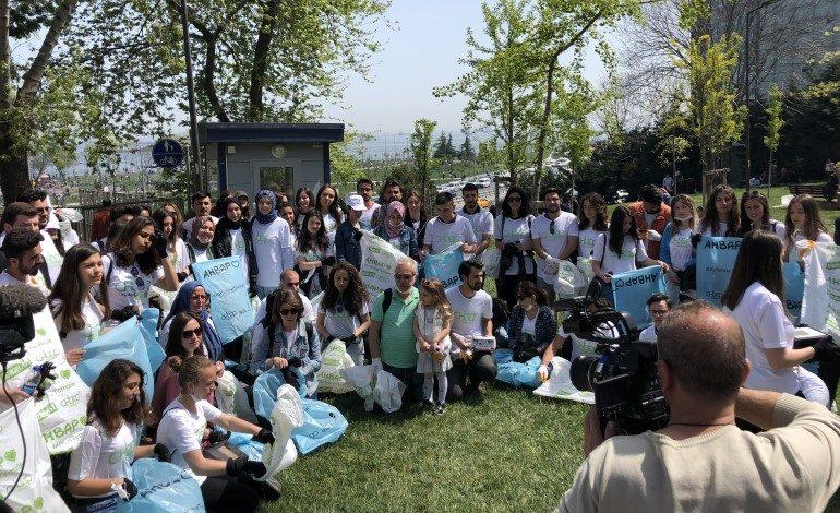Koroplast ve Ahbap Derneği İşbirliği: Gönüllüler Zeytinburnu Sahilini Temizledi!