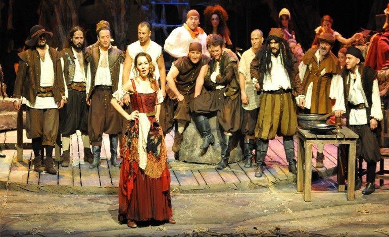 """İstanbul Devlet Opera ve Balesi'nin """"MANÇALI ADAM"""" (Man of La Mancha) Müzikali Prömiyer Yapıyor"""