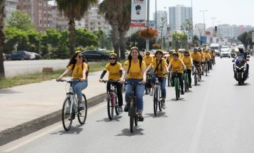 Gönüllü Bisikletçiler Arıların İzinde Pedal Çevirdi