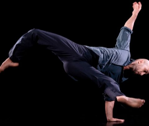 """Akbank Sanat Dans Atölyesi """"Çağdaş Teknik Dans Dersleri"""" Akbank Sanat Youtube Kanalında"""