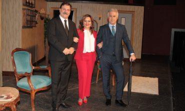'İkinin Biri' tiyatro oyunu 19 Eylül Cumartesi ve 20 Eylül Pazar Trump Sahne'de
