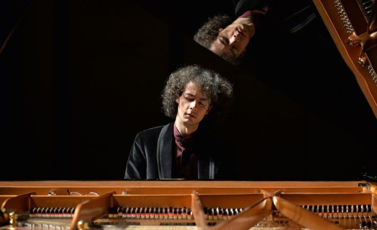 """Piyanist Can Çakmur, 21 Aralık'ta """"Dünya Sahnelerinde Genç Müzisyenler"""" Kapsamında Arter'de!"""