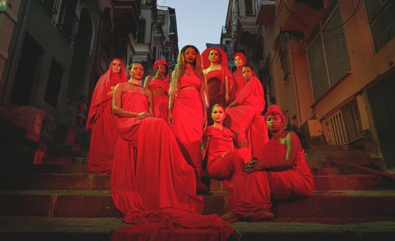 Türkiye sinemasından en yeni filmler bu programda: Biz de Varız!