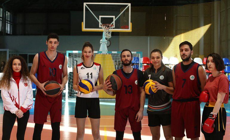 Üsküdar Üniversitesi Öğrencileri, Sporda Başarıya Koşuyor
