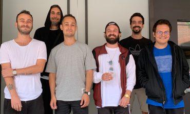 Yüzyüzeyken Konuşuruz'un Red Bull Müzik Stüdyoları, New York'ta kaydedilen yeni teklisi 'Kazılı Kuyum' yolda