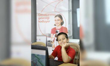 """""""YARINI KODLAYANLAR"""" PROJESİNDE 10 BİN ÇOCUĞA ONLINE EĞİTİM VERİLECEK"""