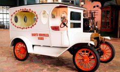 Farklı dönemlerin klasikleri iş ve hizmet araçları Rahmi M. Koç Müzesi'nde