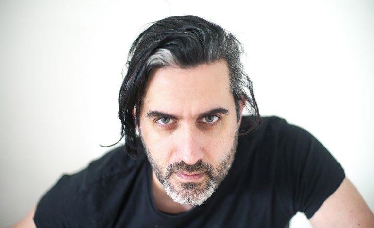 """Mehmet Ali Alabora Galler'de Başrolde Oynadığı Yeni Dizisi """"FFLAM"""" Türkiye'den İzlenebiliyor!"""