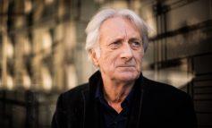 Edebiyat Salonunda Enis Batur ve Yiğit Bener Fransız yazar Patrick Deville'i ağırlıyor