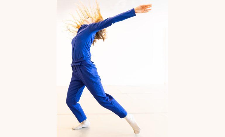 """Akbank Sanat'dan 29 Nisan Dünya Dans Günü'ne Özel """"Paspas'ın İçinde"""" Solo Dans Performansı"""