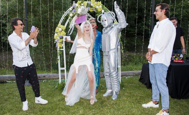 Aleyna, Robot ile evlendi