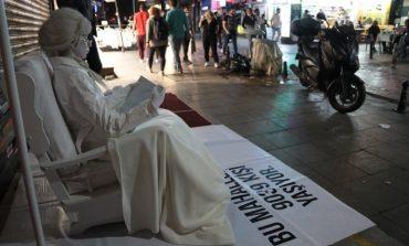 Kadıköy'de Sanatçılar Yüksek Sese Dikkat Çekiyor
